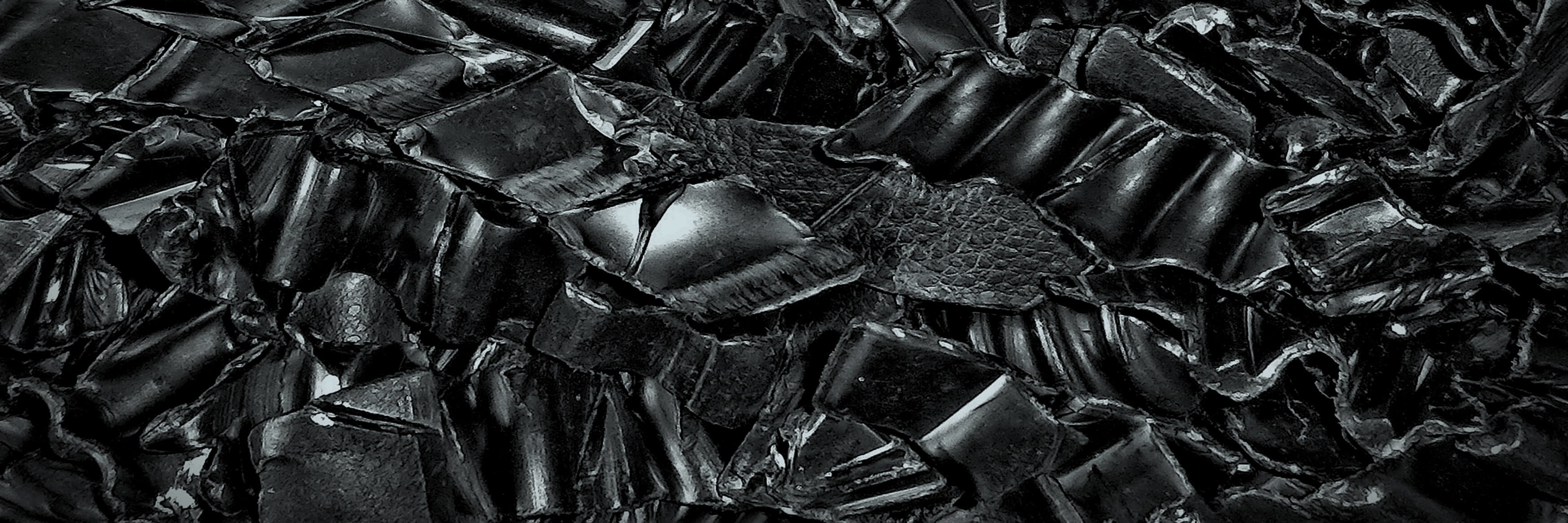 Black plastics flakes